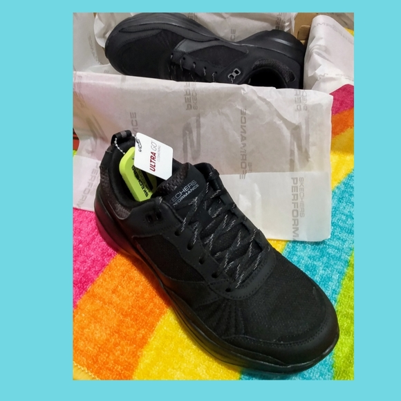 Nwb Womens Mantra Ultra Sneakers